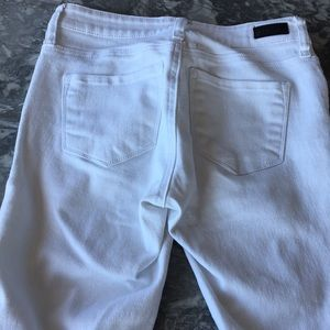 STS Blue Jeans - Trendy ankle skinny white jeans!